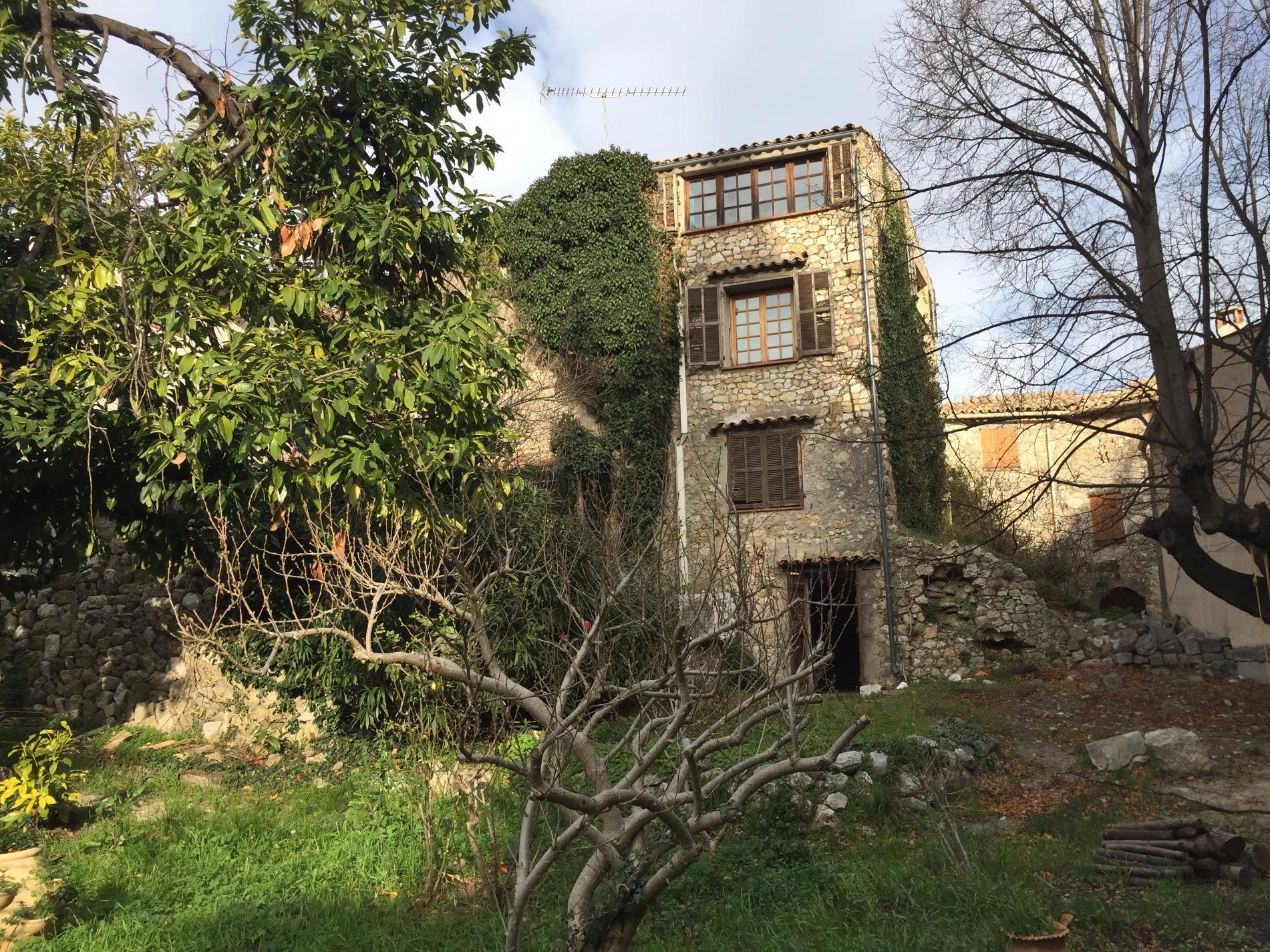 Vente unique maison de village avec jardin - Recherche maison a louer avec jardin ...